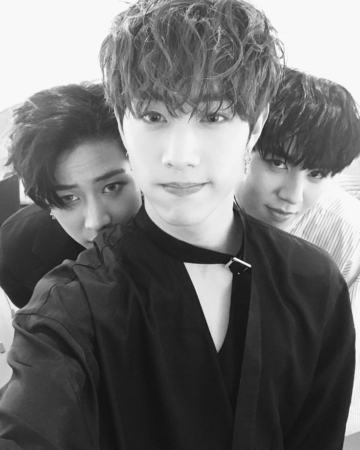 Mark and his two mischievous maknaes.