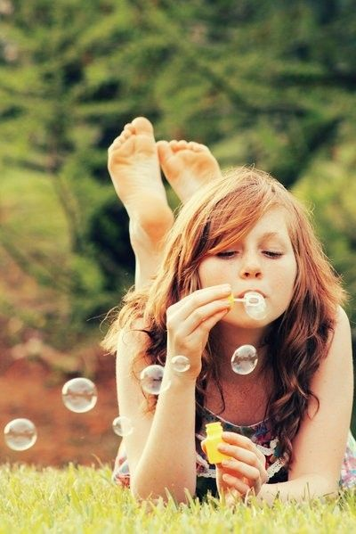Senior picture idea. Since I love bubbles so much! Its perfect
