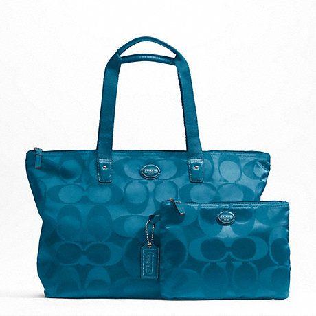 Cartera Coach  Modelo: F77321  Color: Azul petróleo  Medidas: 52.7cm x 28.5cm x 28.5cm  http://articulo.mercadolibre.cl/MLC-415293772-carteras-coach-100-originales-_JM