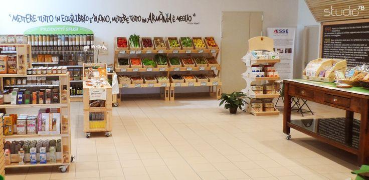 "Interior design by Giovanni Tomasini - Studio7B / Health Food Store ""Armònia"" - Brescia (ITALY) - 2014. #pallet #design #eco #wood #natural #interior #design #architecture #pallets #wall #oldwood #newlife #recycled #health #store #cafè #bio #locale #negozio #furniture #arredo #madeinitaly #style #Studio7B #biologico #greendesign #shelf #desk #table"