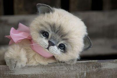 ♥ ♥ Such a sweet face! ♥ ♥                  Kitten by Three O'Clock Bears Artist Jenny Johnson.