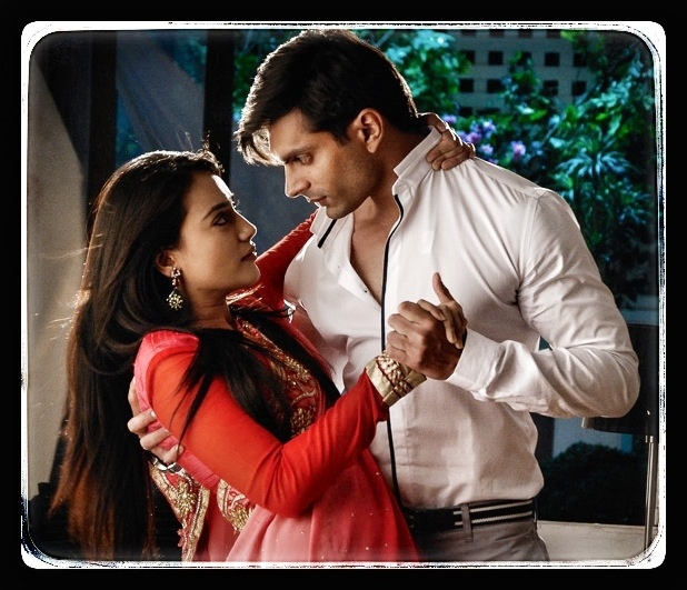 Asad Ahmed Khan And Zoya Farooqui 180 best images...