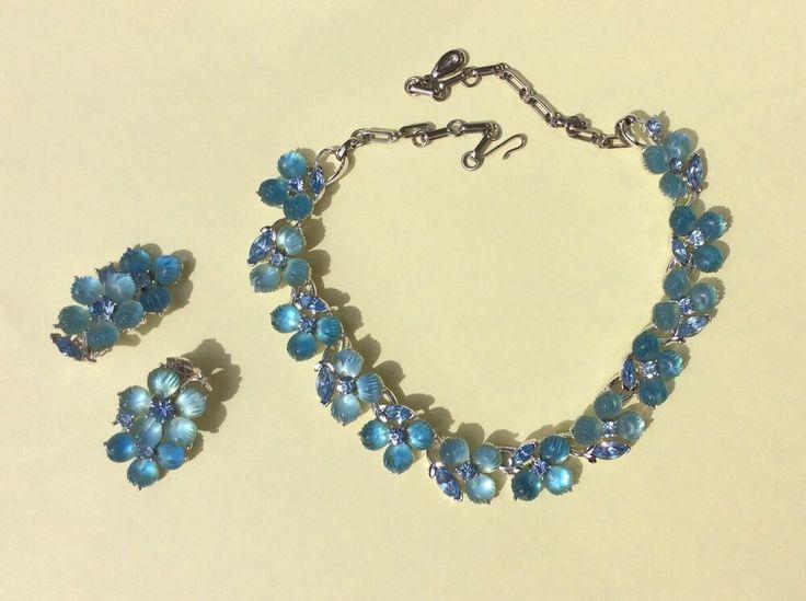 Fancy 1960/'s Vintage Dangle Red Crystal Bead Gold Tone Filigree Clip Earrings