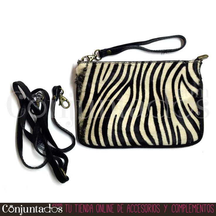 Bolso de piel con estampado de cebra ★ 29'95 € ★ Compra en https://www.conjuntados.com/es/bolsos/bolsos-de-mano/bolso-de-piel-con-estampado-de-cebra.html ★ #bolso #bolsobandolera #bag #crossbodybag #piel #leather #conjuntados #conjuntada #lowcost #accesorios #complementos #moda #fashion #fashionadicct #fashionblogger #blogger #picoftheday #outfit #estilo #style #streetstyle #casualstreet #GustosParaTodas #ParaTodosLosGustos