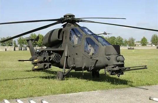 Agusta A129 Mangusta de Italia                                                                                                                                                     Más