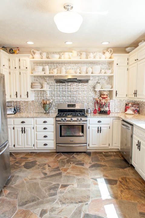 True Tennessee Fieldstone Floors Creamy Cabinets With