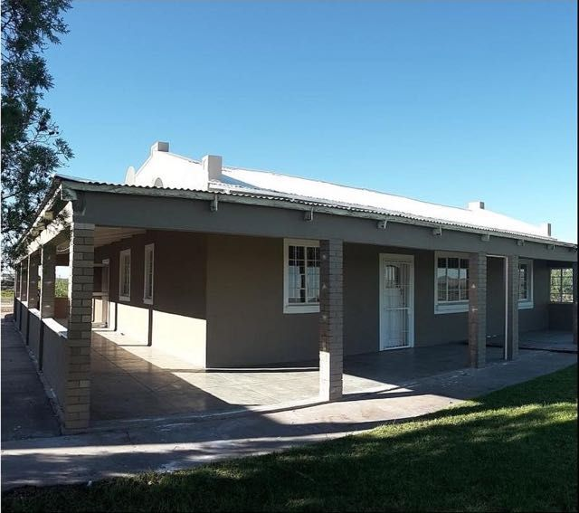 Orange Vineyard Guest Farm in Groblershoop. Orange Vineyard Guestfarm is situated in Vollgraaffsig overlooking the Balanseer Dam and next to the spectacular Orange River.