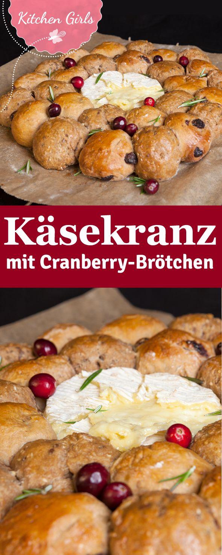 Hier findest du das Rezept für einen winterlich herzhaften Brötchenkranz mit Cranberrys.