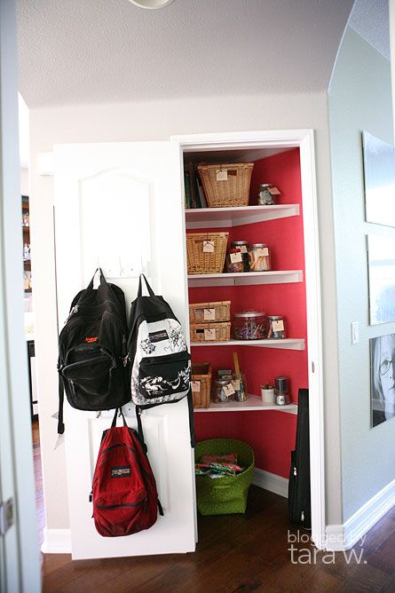 storage closet - love the unexpected color.Storage Closets, Corner Closets, Bedrooms Closets, Closets So Fun, Closets Organic, Coat Closet, Coats Closets, Closets Pink, Girls Closets