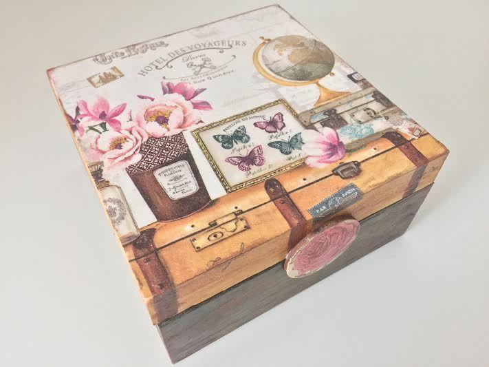 Deocupageand wood box