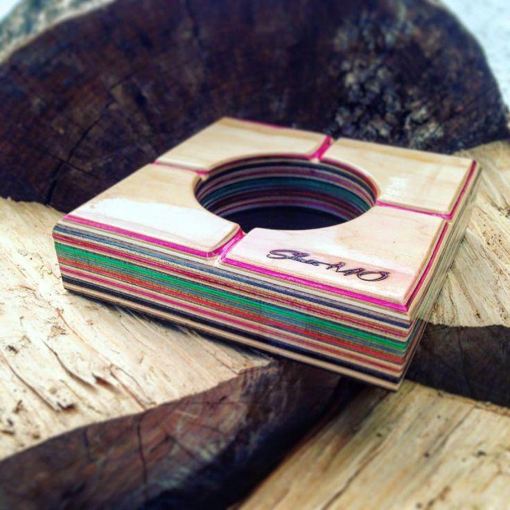 Skate ashtray! 100% handmade by recycled skateboard decks ! Skate.modifications@gmail.com