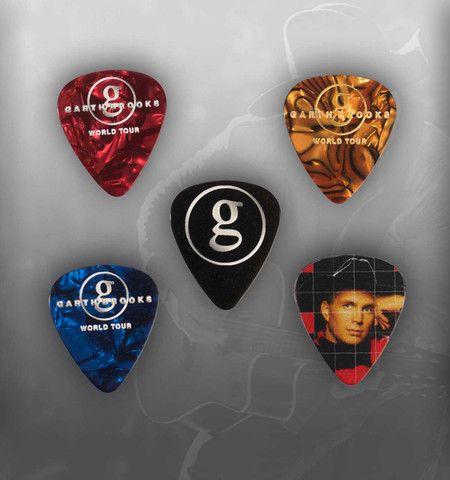 "World Tour Commemorative Pick Set ""In Pieces"" & ""Callin' Baton Rouge"" – Garth Brooks Official Store"