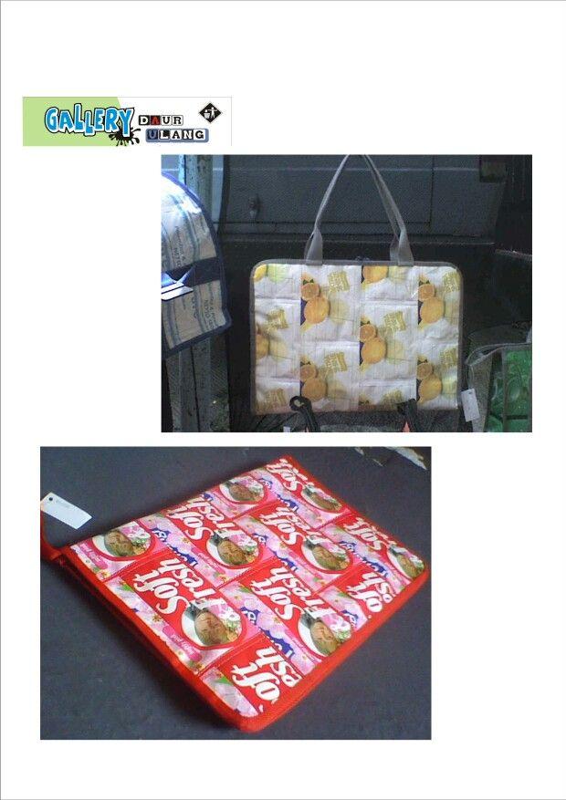 Tas laptop dan tempat map