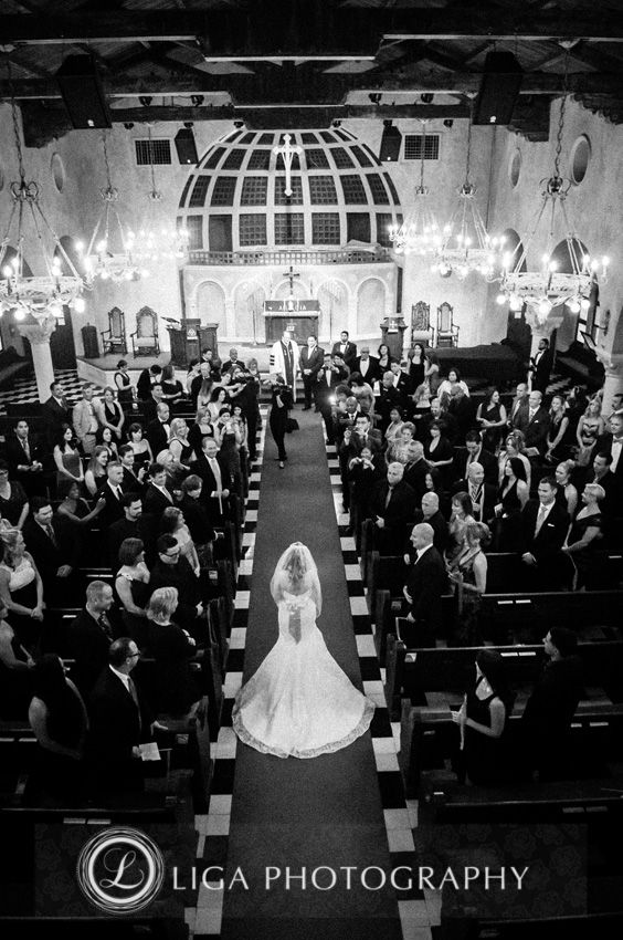 ligaphotography.com // Jackie & Enrique's Wedding #biltmoremiami #biltmoremiamiweddings #miamiweddings #floridaweddings #floridaweddingvenue #miamiweddingvenue #southfloridaweddings #southfloridaweddingvenue #ligaphotography