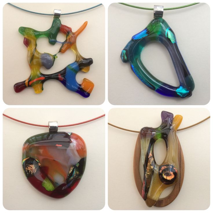 Grote glashangers aan een spang #glasfusing #jewelry #glass #handmade made by @keizergoed