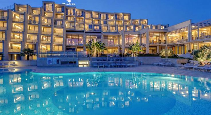 Valamar Zagreb Hotel Porec Surrounded by a pine forest, the newly refurbished and upgraded Valamar Zagreb Hotel is just 130 metres from the beach and a 10-minute stroll from Porec Old Town. It features a wellness centre, a restaurant, an outdoor pool and tennis courts.