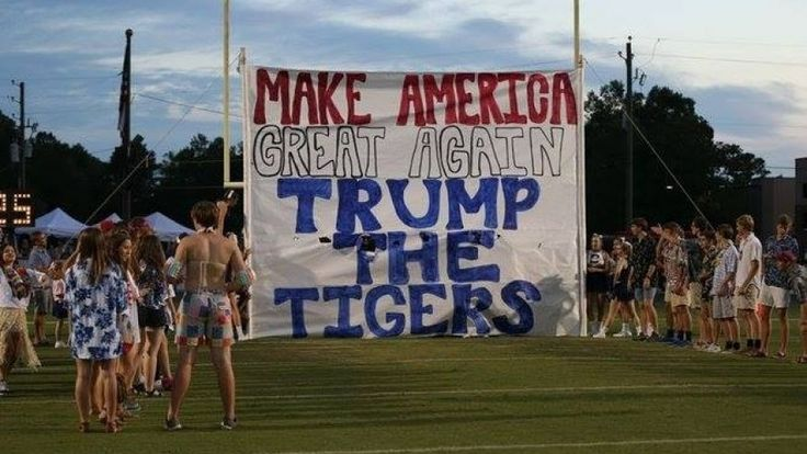 Alabama school apologizes for 'Trump the Tigers' football banner | Fox News