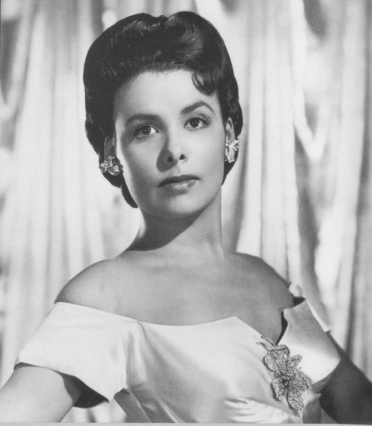 american-nostalgia: The beautiful Lena Horne — Vintage Black Beauties