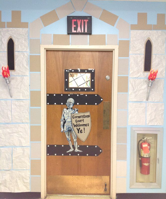 Castle entrance/ classroom door    ff4e7fa8f1c3394803957771f6ad74f0.jpg (666×800)