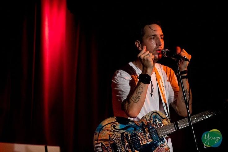 Afin de remercier ses membres pour leur soutien au cours des derniers mois, Yingo a invité 40 abonnés à vivre une soirée de musique inoubliable avec le talentueux Joseph Arthur, le 19 septembre 2012 à La Sala Rossa!