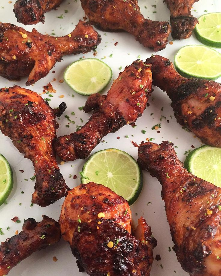Running late tonight, so I stopped by our local warehouse store and picked up lots of #drumsticks. Grilled with spicy BBQ sauce and lime for an additional layer of flavour. Served with a large bowl of Caesar salad. @zimmysnook