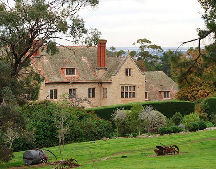 Carrick Hill. Carrick Hill: historic home in the foothills suburb of Springfield. An historic home, built in the style of a seventeenth-century English manor house and set in extensive formal gardens and bushland.