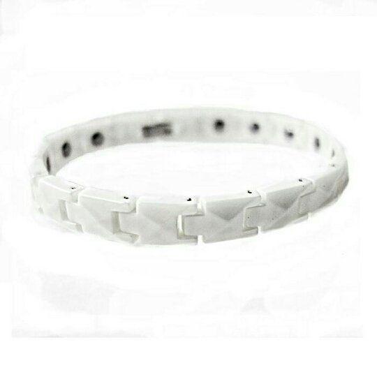 Faceted White Ceramic Magnetic Bracelet Gelang Kesehatan Pria Wanita  Specifications: Material: Magnetic & Ceramic Color: White Size: 205cm  9mm (M) 195  9mm (M kecil) 185  9mm (S) 175  9mm (XS) Cantumkan ukuran pada saat pemesanan atau kami kirimkan free size 205cm  9mm (M)  Mengapa Memilih Aksesoris Ceramic Energy Magnetic Bracelet : Keramik berkualitas tinggi yang dapat berfungsi menahan gesekan panasdan asam-basa. memiliki karakteristik berkilau ringan tidak berkarat tidak berubah warna…