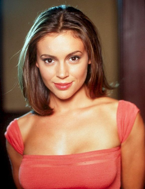 Medium/Short Hair Ft. Alyssa Milano