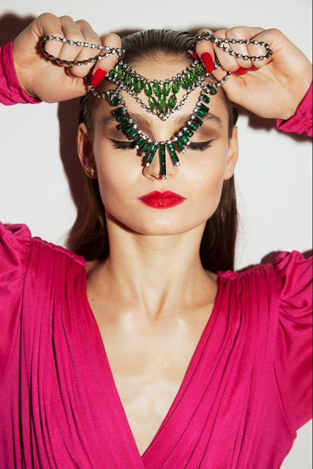 Amber Sceats Jewellery makeup by Natalie Urban