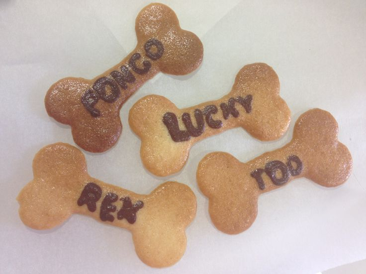 Did you know that August 26th (2014) was National & International Dog Day? In honor of dogs everywhere, we printed some doggie bone treats... but these are for humans to eat.