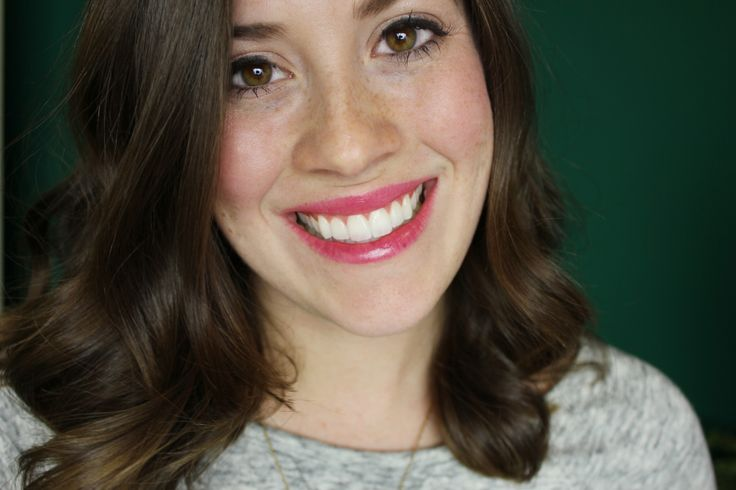 Your Holiday Smile with Crest Whitestrips - The Brunette One