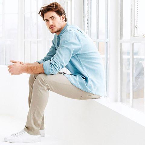 Стилисты рекомендуют иметь пару бежевых джинсов в базовом гардеробе, т.к. они легко сочетаются как с деловым стилем, так и со стилем кэжуал. Эти бежевые джинсы DL1961 отлично сидят и невероятно комфортны. Убедиться в этом вы сможете в JiST или jist.ua. Еще один аргумент «ЗА» то, что они на теперь со СКИДКОЙ. #fashionable #summer #outfitidea: always #trendy #beige #DL1961 #jeans help to create #stylish #outfit #мода #стиль #тренды #джинсы #модно #стильно