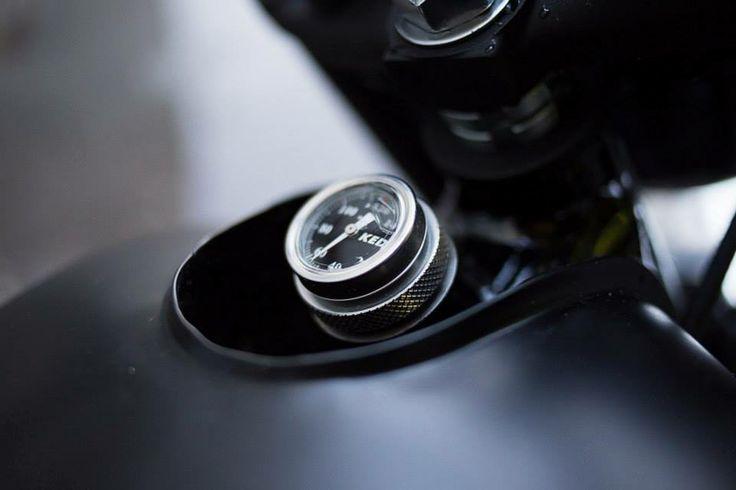La leggenda ritorna  Il ritorno di SR nel 2014 è l'avanguardia del nuovo segmento Yamaha Sport Classic, che offre ai piloti di oggi l'opportunità di sperimentare l'entusiasmo e il piacere associati a un design semplice e tradizionale.