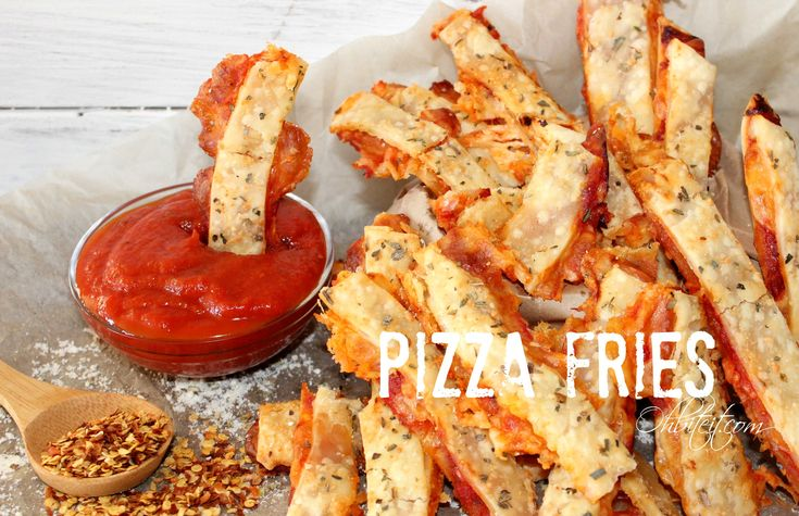 ~Pizza Fries! {Oh, Bite It!}.. very simple.. uses ready made pie crust, a jar of marinara, cheese, toppings of your choice, and spices sprinkled on top and rolled in!