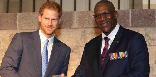 Príncipe Enrique termina primera parte de su gira por el Caribe...