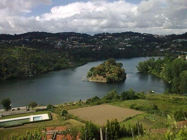 Processo Nº.: 1211 Portugal  » Douro Litoral » Porto » Penafiel » Região de Penafiel 250.000,00 €  http://www.portugalrur.pt/pt/imoveis/detalhe-imovel.aspx?id=58058