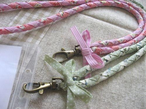 丸四つ編みのIDカードネックストラップの作り方