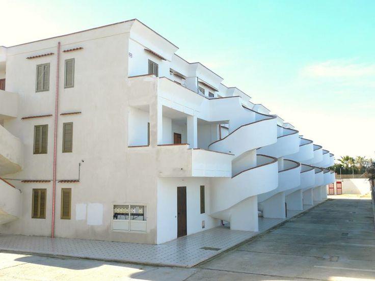 Residence Beatrice a 20 mt dalla spiaggia,trilocali 70 mq con ampia veranda vista mare,soggiorno 2 camere da letto cucina,bagno,posto auto esterno riservato!