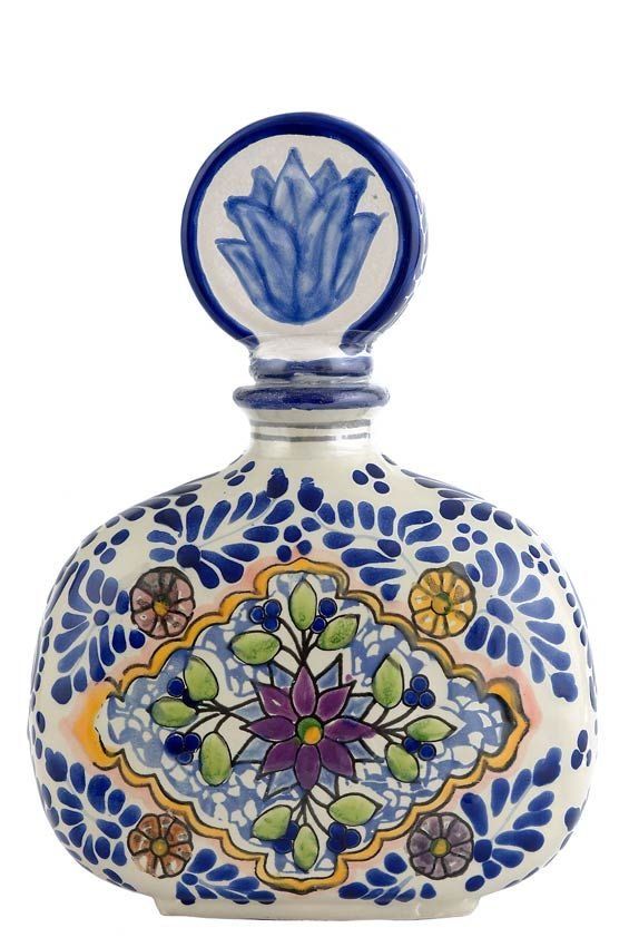 Los azulejos tequila anejo talavera bottle awesome for Los azulejos