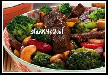 Koolhydraatarm wokgerecht Beef Broccoli Makkelijk wokgerecht met broccoli en biefstuk. Je kunt het uiteraard ook met reepjes kip maken. Wokken is op hoog vuur in een grote wokpan je groenten en vlees bakken en overgieten met een smaakvolle saus die snel inkookt om de... #biefstuk #broccoli #wokken