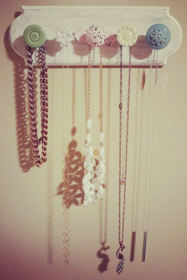 cute diy necklace holder! .. could also be used as a baby headband holder