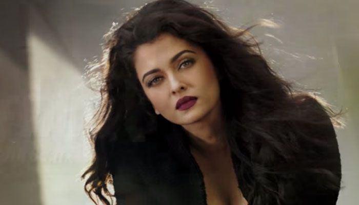2 Actresses that This Former Miss World, AISHWARYA RAI can't stand