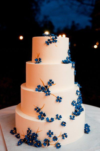 Blue White Multi-shape Round Spring Summer Wedding Cakes Photos & Pictures - WeddingWire.com