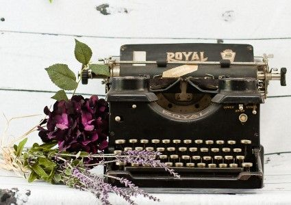 Vintage Wedding and Photography Props Antique Royal Typewriter vintagepartyprops.com Louisville Kentucky