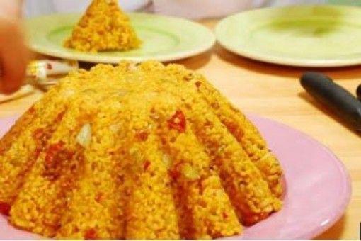 Ρύζι πιλάφι με κάστανα, ξηρούς καρπούς, πιπεριά και κρόκο Κοζάνης. Μια πολύ εύκολη και γρήγορη συνταγή για ένα υπέροχο πιλάφι, για να συνοδεύσετε το ψητό κ