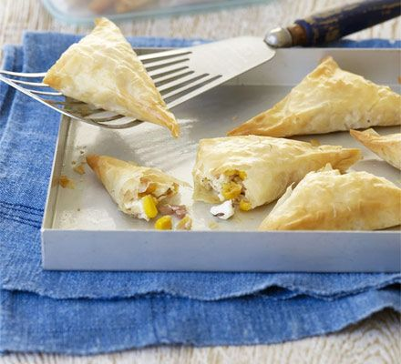 Feta & Sweetcorn Samosas Recipe - 50 mins, 9 ingredients [131 calories] [Vegetarian] [COOK FROM FROZEN]
