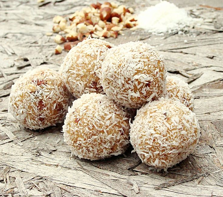 Guest Post with Kate from Diethood: Raffaello Coconut Candy Balls | Dixie Chik Cooks