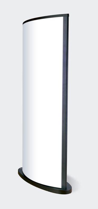 Expositor 2 caras. Modelo J.I. • Perfilería de aluminio lacado al horno/anonizada de 2 mm. de espesor. • Base y tapa superior de acero con pestaña, de 3 y 2 mm. respectivamente, lacadas al horno. • Estructura interna de hierro de 30x15mm. • Pantalla de metacrilato opal de 2 mm. de espesor. • Protector de alta resistencia al impacto VIVAK transparente de 1mm. de espesor. • 4 tubos fluorescentes de alta luminosidad. • 4 equipos eléctricos compactos. • 4 ruedas dobles giratorias.