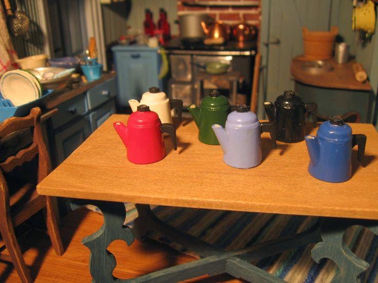 Mirkan miniatyyrit: Kahvipannu / Coffeepot