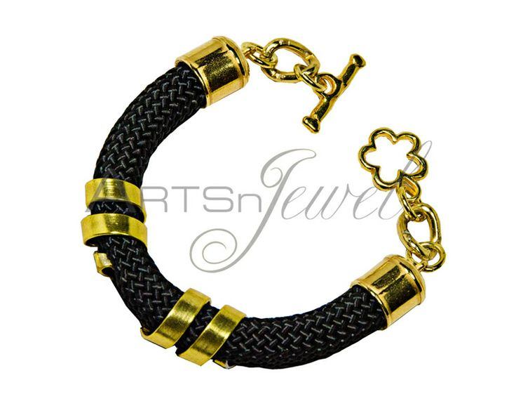 Handmade bracelet in black color  from Arts n' Jewel by DaWanda.com.  €14
